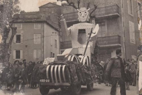 1955 Le Robot 002.jpg