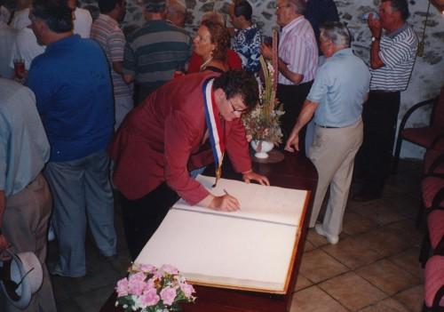 Livre d'or mairie 1994.JPG