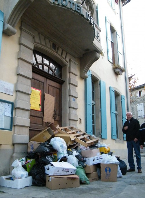 Poubelles Cours Sully 004 bis.jpg