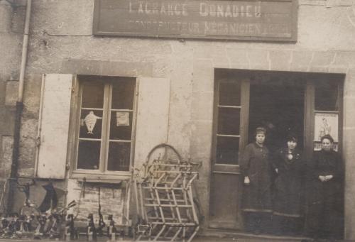 Lagrange Donadieu.jpg