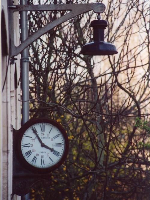 Horloge Peyrat Avril 2002.JPG