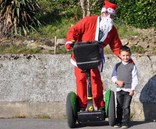 Père-Noël et Erwan 001.JPG