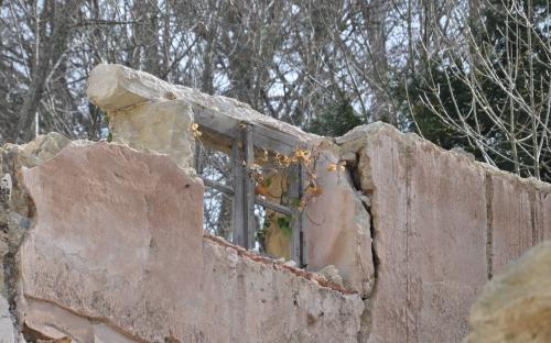 Fenêtre Pavillon du château.jpg