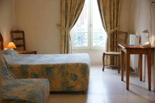 Chambre-Hotel-Chalabre.jpg