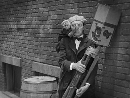 the-cameraman-1928-buster-keaton-image-2.jpg